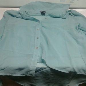 A button up shirt size l